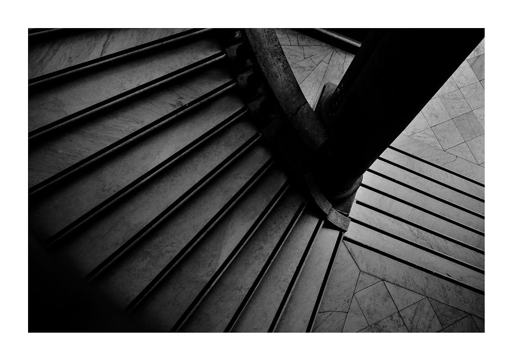MDG1976-stairs-def-canvas.jpg