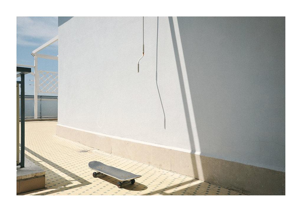 MDG3448-balconyskate-canv.jpg